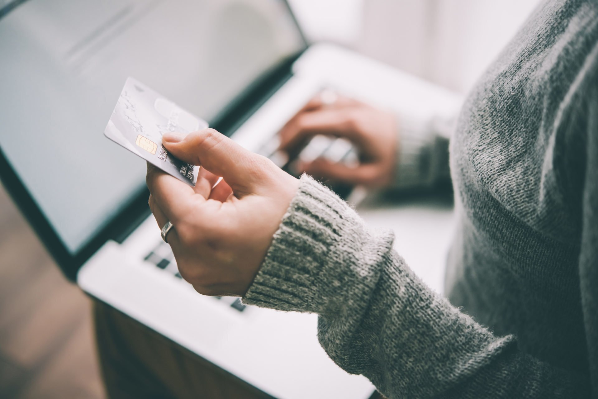 Increase conversions on your website: what's stopping ecommerce customers from buying from you.